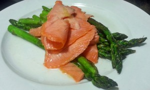 Grilled Asparagas with Salmon and Lemon